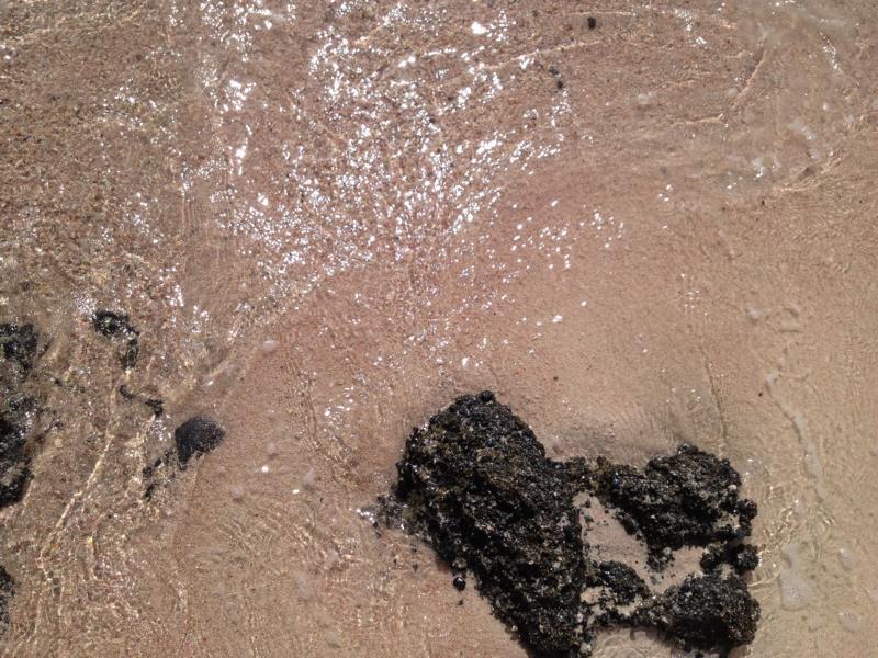Feinster Sand und rosa Kieselsteine auf Elafonisis, Kreta